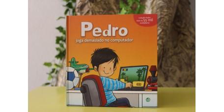 Pedro Joga Demasiado Computador