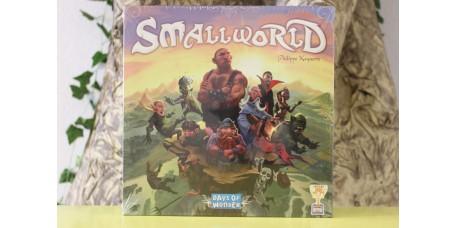 Small World Versão em Inglês