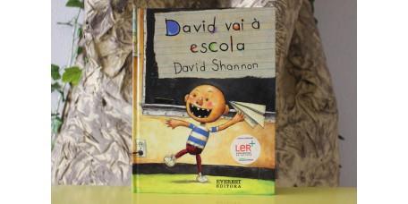 David vai à Escola